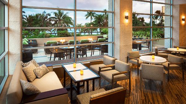 Hyatt Regency Waikiki Club Lounge