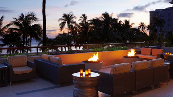 Hyatt Regency Waikiki featuring Hemi Fire Bowls