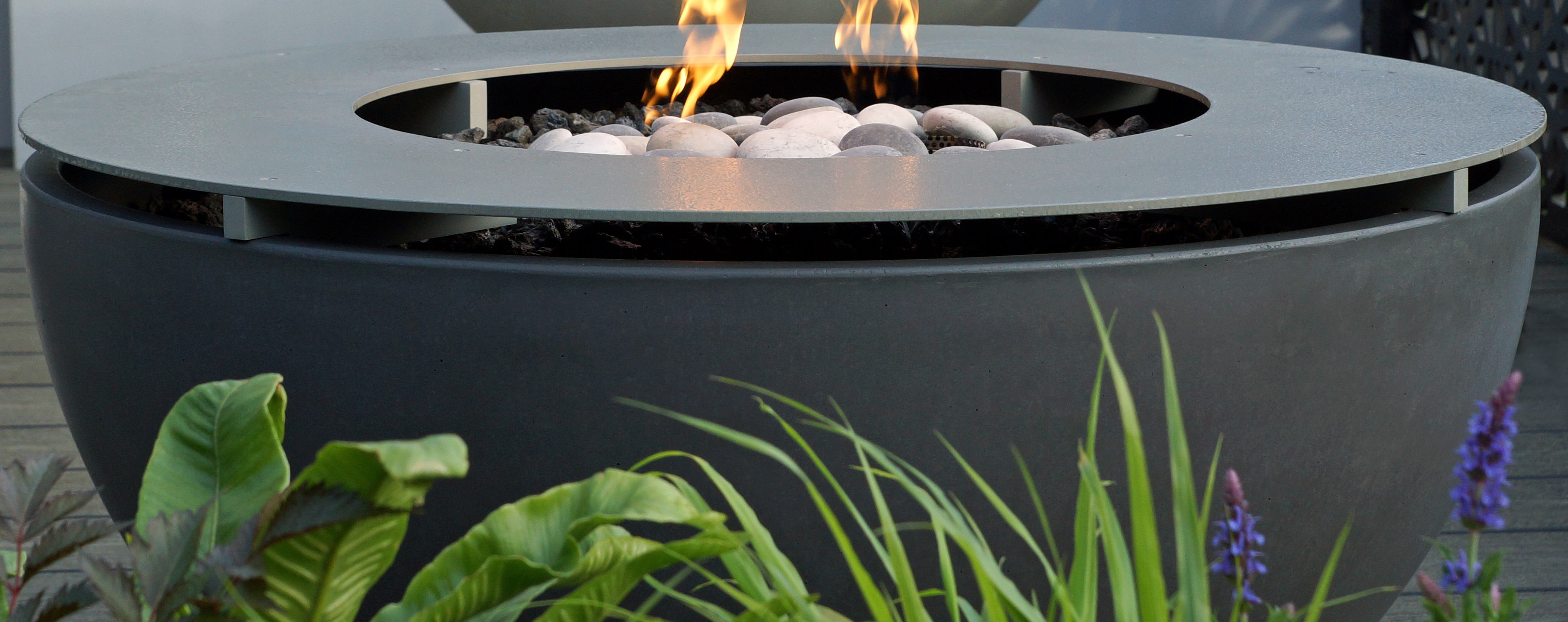 contemporary gas fire pit with fire ring